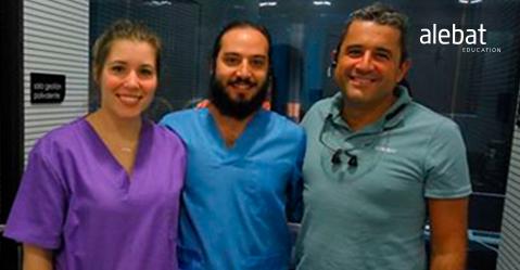 Fotografía que ilustra la noticia de salud de Alebat Education sobre Clínica Donnay acoge a dos alumnos del Master en Cirugía Oral e Implantológica
