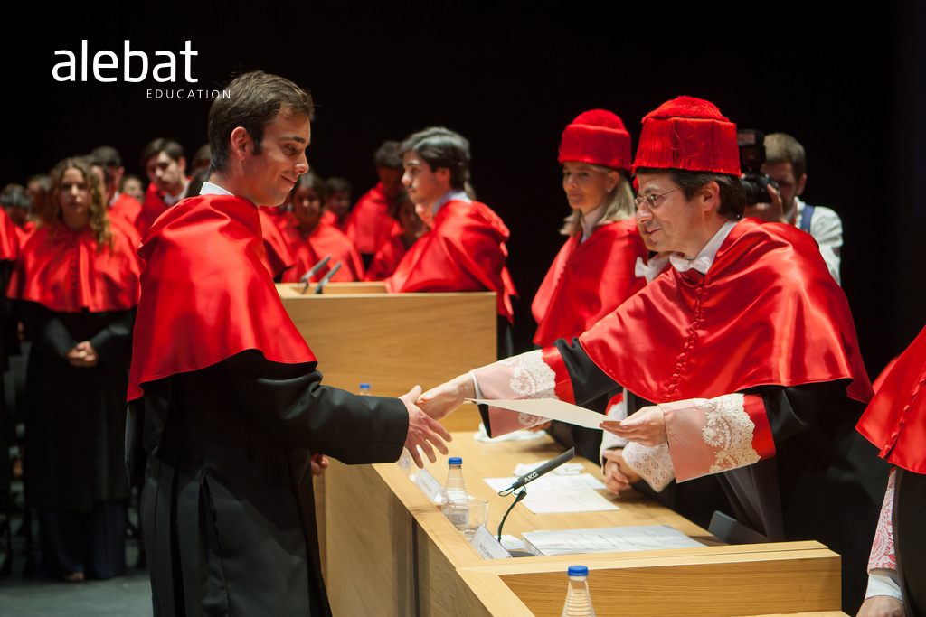 Fotografía que ilustra la noticia de salud de Alebat Education sobre ¿Están preparados los recién licenciados para la vida laboral?