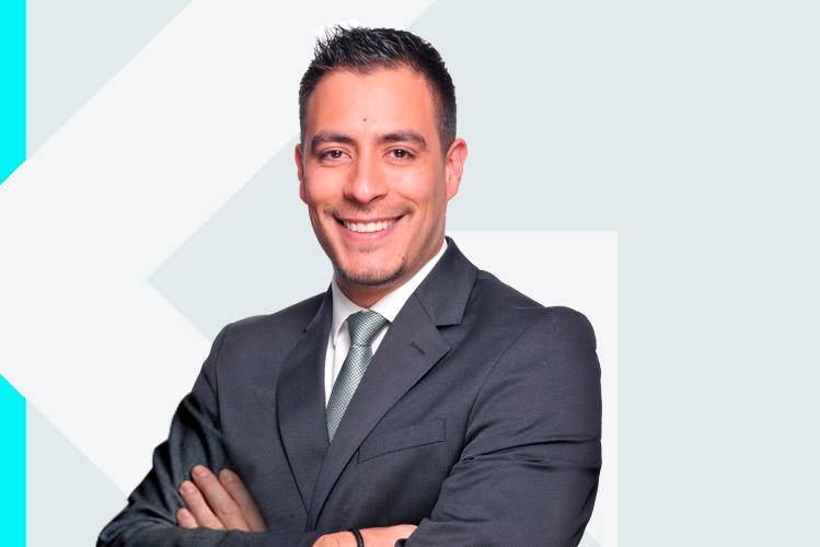 Experto en odontología Dr. AlbertoQuintero Tovar