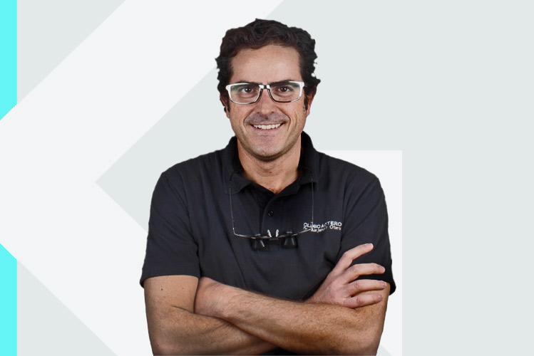 Experto en odontología Dr. AlejandroOtero Ávila