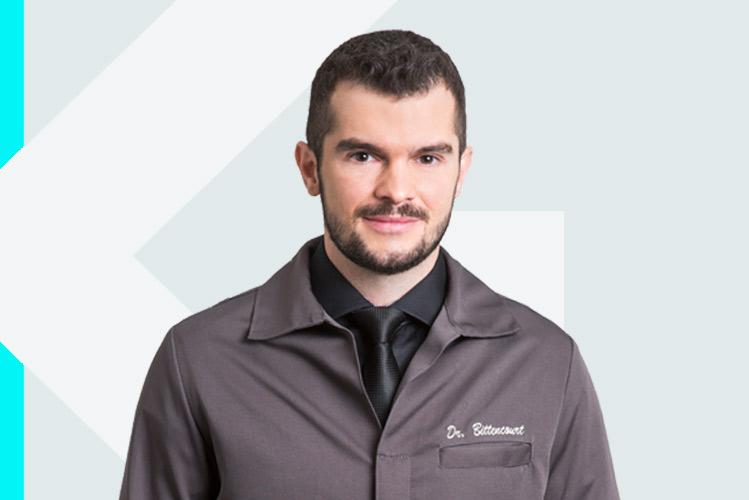 Experto en odontología Dr. Antonio JoséBittencourt Da Rosa