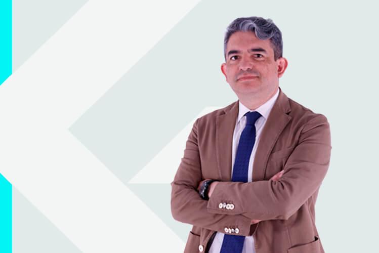 Experto en odontología Dr. CristianAbad Coronel