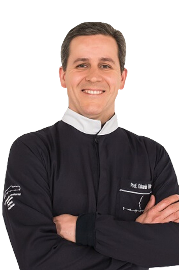 Experto en odontología Dr. Eduardo Antonio de Castro Vieira