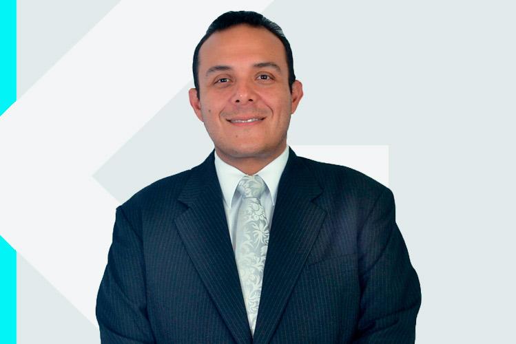 Experto en odontología Dr. EloyMora Agüero