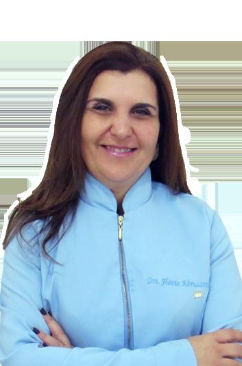 Experto en odontología Dra. Flávia Abruzzini Vieira