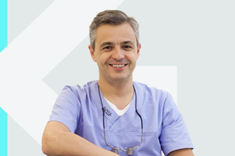 Experto en odontología Dr. FranciscoDelille