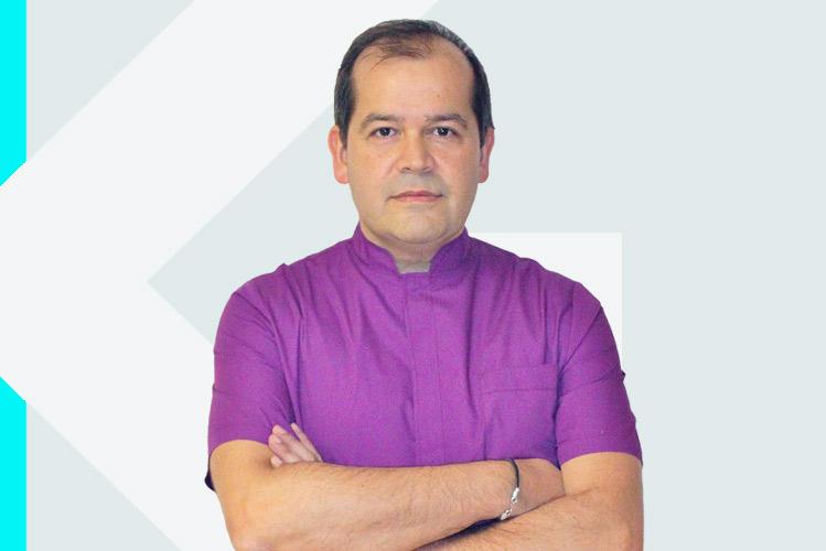 Experto en odontología Dr. Francisco JavierMacía Arce