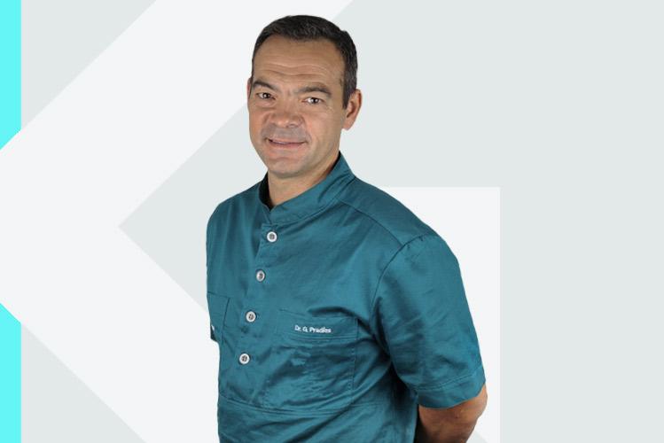 Experto en odontología Dr. GuillermoPradíes Ramiro