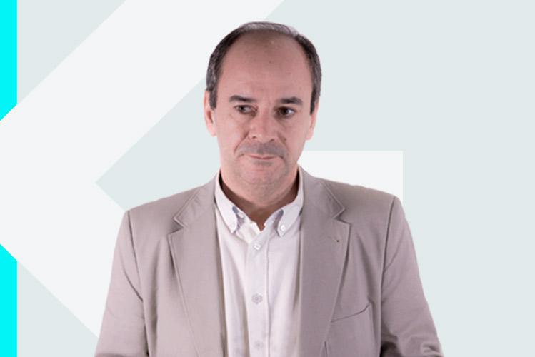 Experto en odontología Dr. Juan AntonioSuárez Quintanilla