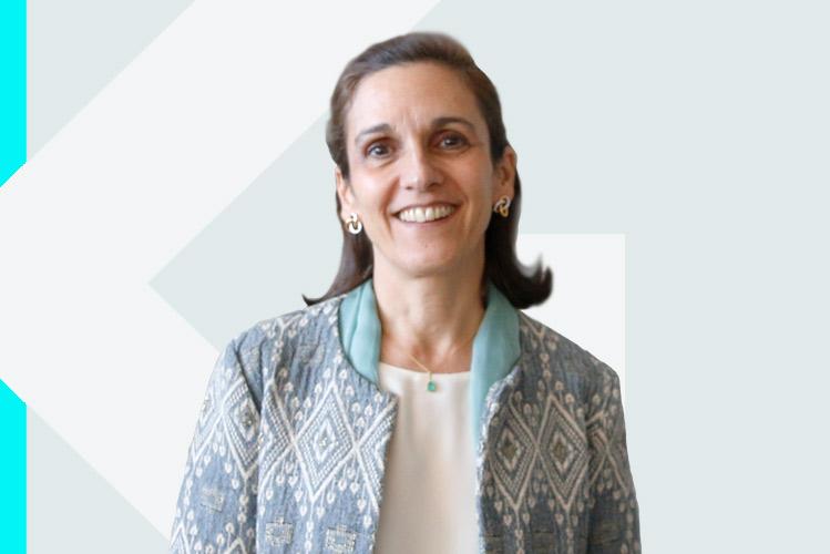 Experto en odontología Dra. María PauGinebra Molins