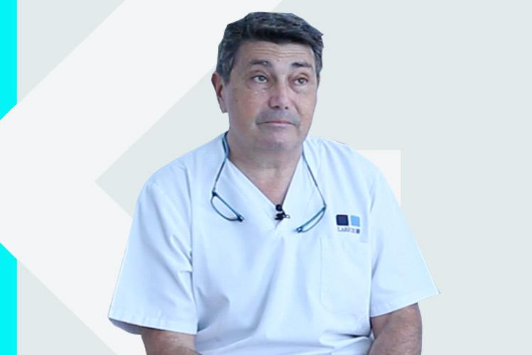 Experto en odontología Dr. ÓscarFernández-Baca Ramos