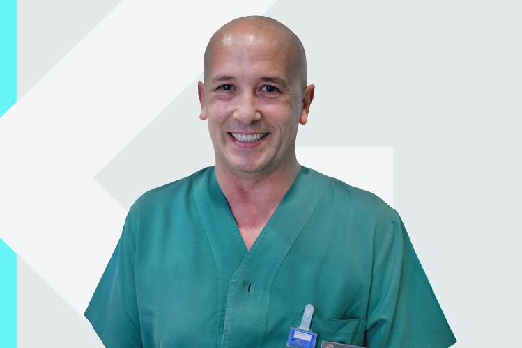 Experto en odontología Dr. PedroGuitián