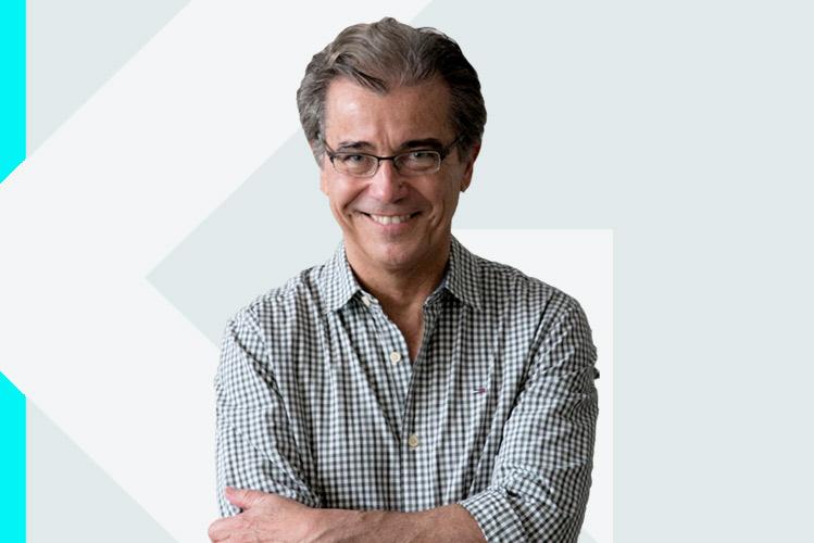 Experto en odontología Dr. RafaelAreses Gómez