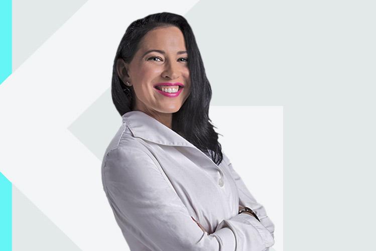 Experto en odontología Dra. Sara EvaRosado Rivas