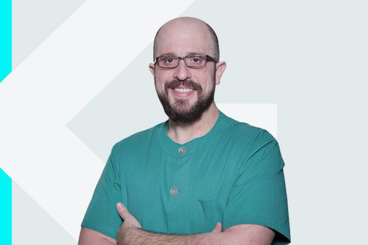 Experto en odontología Dr. TomásBeca Campoy