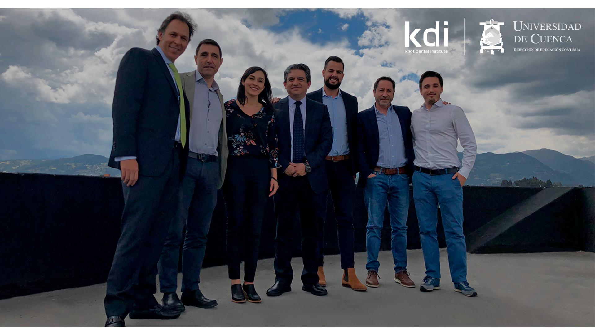 Fotografía que ilustra la noticia de odontología de Knotgroup Dental Institute sobre KDI triunfa con los cursos presenciales en la Universidad de Cuenca