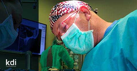 """Fotografía que ilustra la noticia de odontología de Knotgroup Dental Institute sobre El Dr. Pedro Guitián y las nuevas técnicas para la """"Retracción de encías"""""""