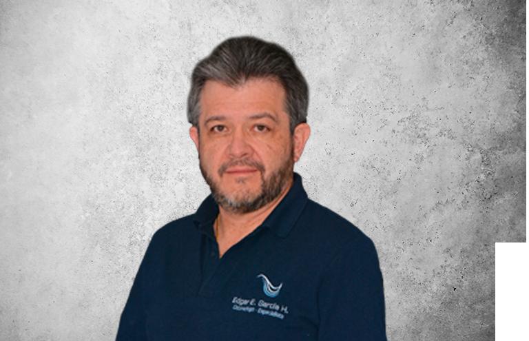 Fotografía que representa al experto Dr. Edgar Enrique García Hurtado de la plataforma de odontología de Inspiria