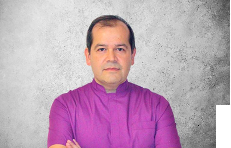 Fotografía que representa al experto Dr. Francisco Javier Macía Arce de la plataforma de odontología de Inspiria