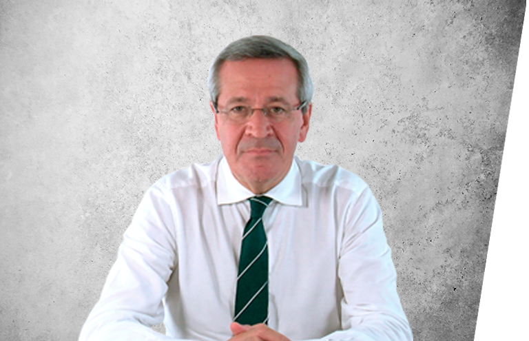 Fotografía que representa al experto Dr. José Maria Suárez Quintanilla de la plataforma de odontología de Inspiria