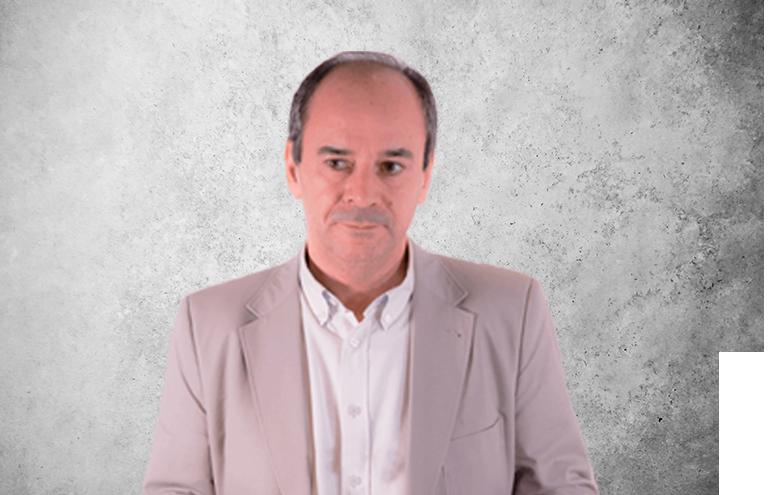 Fotografía que representa al experto Dr. Juan Antonio Suárez Quintanilla de la plataforma de odontología de Inspiria