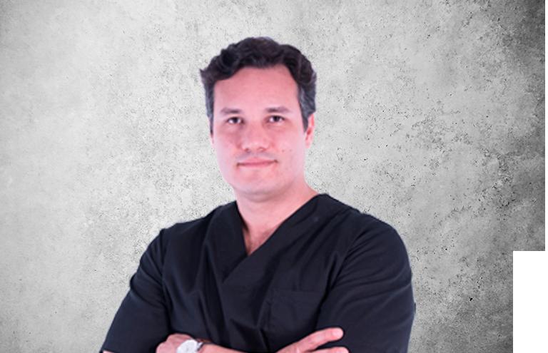 Fotografía que representa al experto Dr. Vladimir García Lozada de la plataforma de odontología de Inspiria