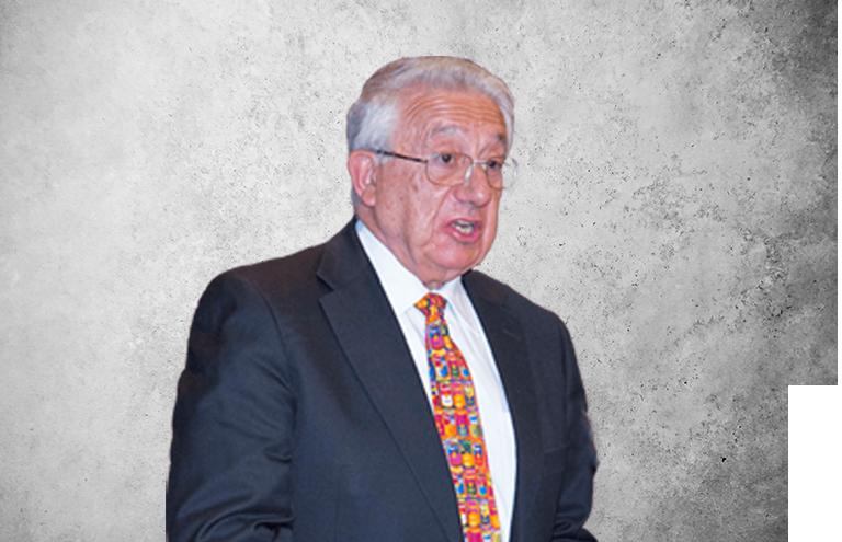 Fotografía que representa al experto Dr. Pedro García Barreno de la plataforma de odontología de Inspiria