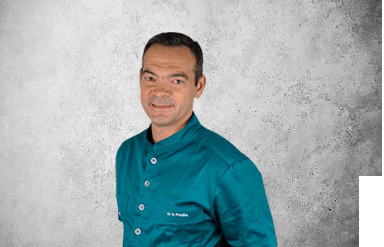 Fotografía que representa al experto Dr. Guillermo Pradíes Ramiro de la plataforma de odontología de Inspiria