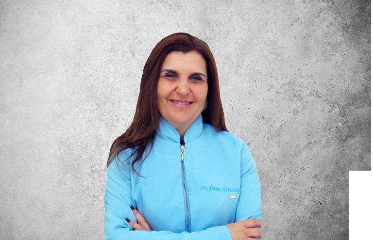 Fotografía que representa al experto Dra. Flávia Abruzzini Vieira de la plataforma de odontología de Inspiria