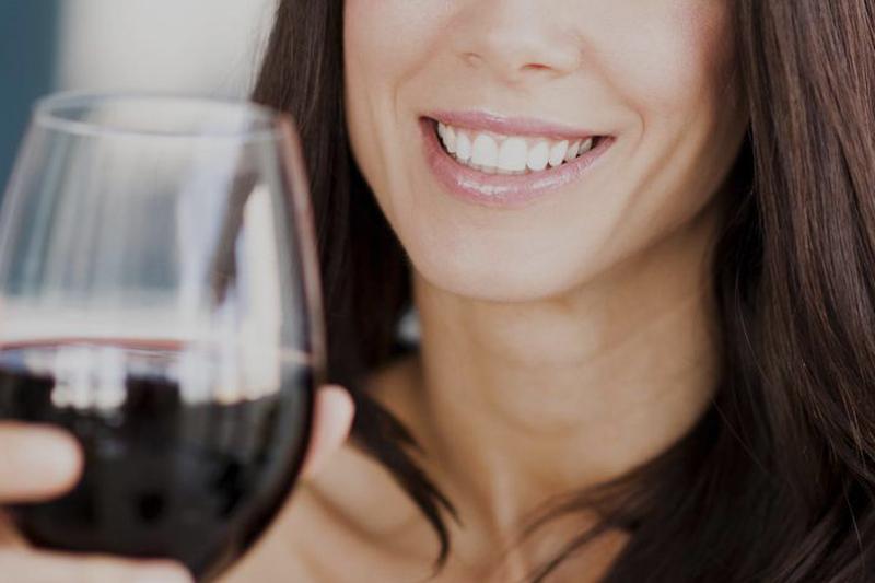 Esta imagen del post del blog de odontología representa el post Beneficios de los Polifenoles para la Salud Oral