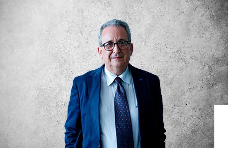 Fotografía que representa al experto Jesús Santos de la plataforma de odontología de Inspiria