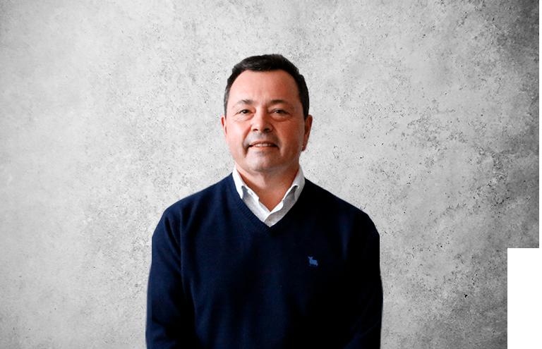 Fotografía que representa al experto Luis Tejerina Díaz de la plataforma de odontología de Inspiria
