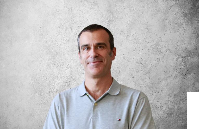 Fotografía que representa al experto Santiago Dalmau Bejarano de la plataforma de odontología de Inspiria