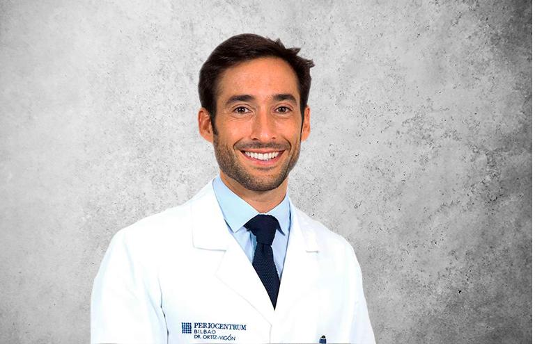 Fotografía que representa al experto Dr. Alberto Ortiz Vigón de la plataforma de odontología de Inspiria