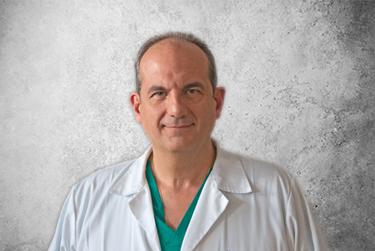 Fotografía Movil que representa al experto Dr. Javier García de la plataforma de odontología de Inspiria
