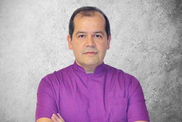 Fotografía Movil que representa al experto Dr. Francisco Javier Macía Arce de la plataforma de odontología de Inspiria