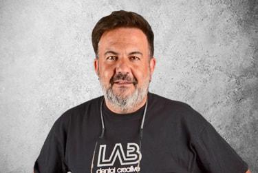 Fotografía Movil que representa al experto Miguel Ángel Arroyo de la plataforma de odontología de Inspiria