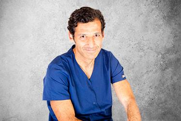 Fotografía Movil que representa al experto Dr. Rafael Naranjo Motta de la plataforma de odontología de Inspiria