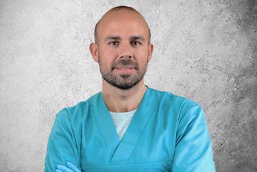 Fotografía Movil que representa al experto Dr. Joan Tomás Bueno de la plataforma de odontología de Inspiria