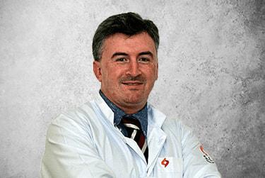 Fotografía Movil que representa al experto Dr. Fabricio Le Draper Vieira de la plataforma de odontología de Inspiria