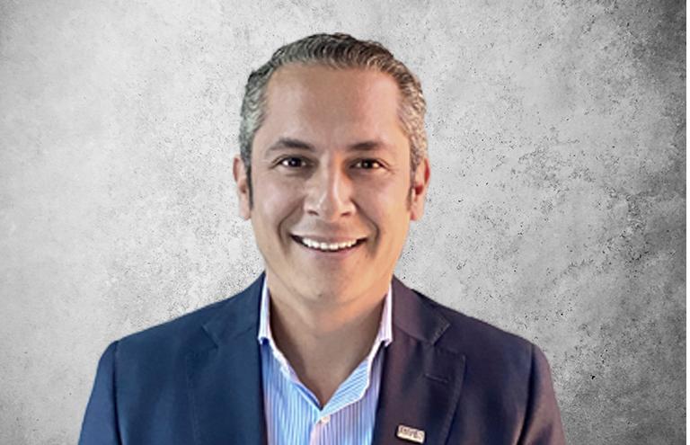 Fotografía que representa al experto Oliver Mauricio López Garnica de la plataforma de odontología de Inspiria